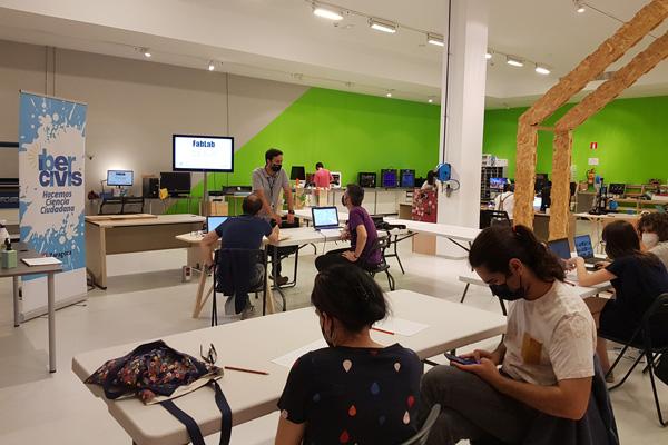 Así fue el taller de fabricación de maceteros artísticos en los Laboratorios CESAR (Zaragoza, 28/05/2021)